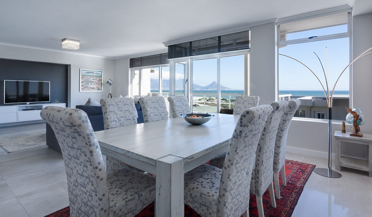 Dining room with view on the ocean