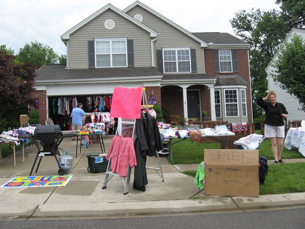 moving house garage sale