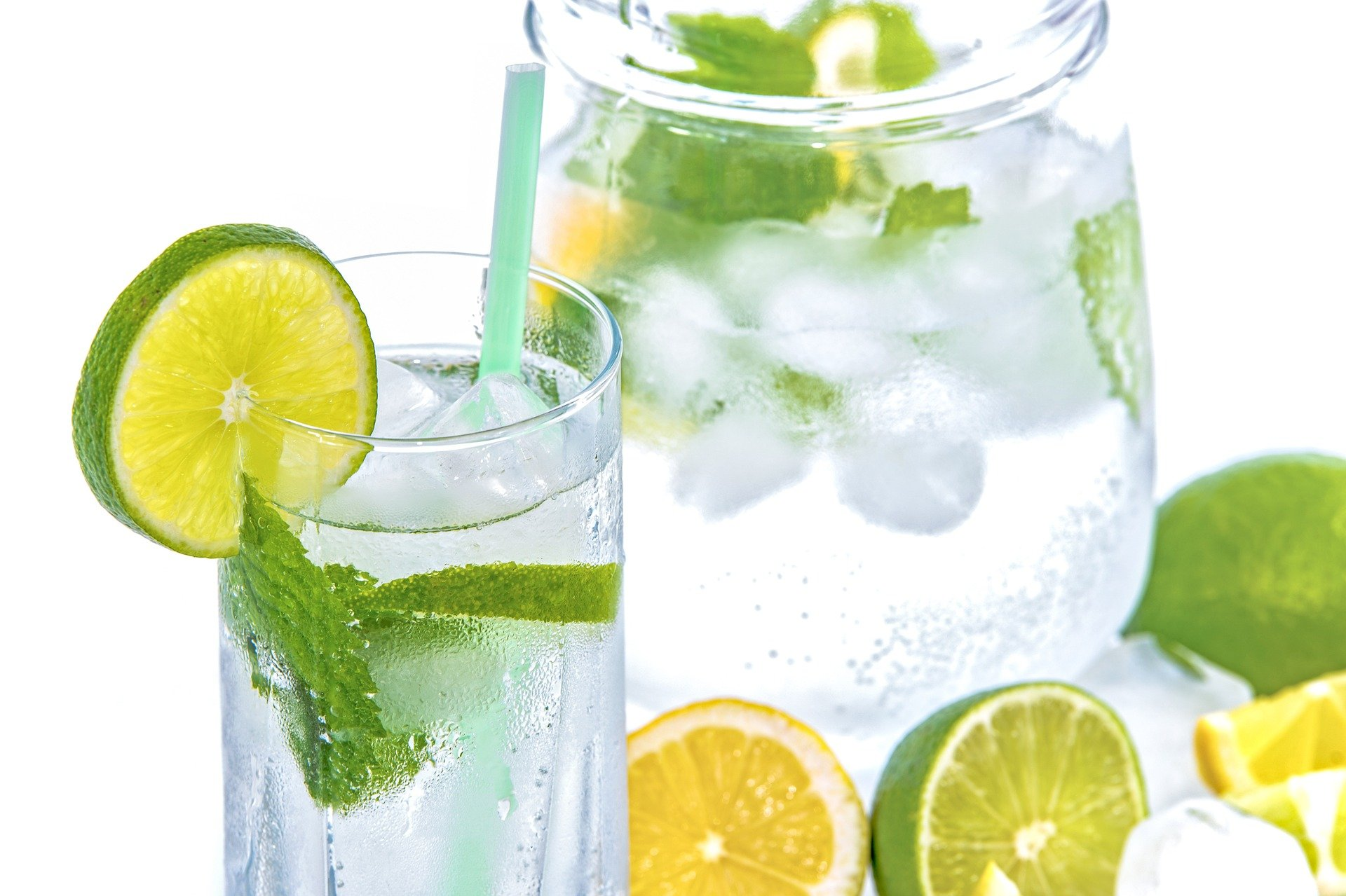 healthy ageing - water with lemon and lime